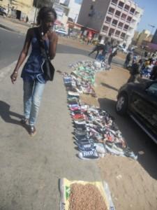 vendeur de chaussure dakar