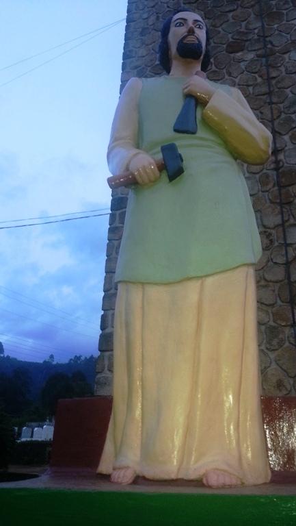 l'une des statue du Centenaire de l'évangélisation à Bamenda