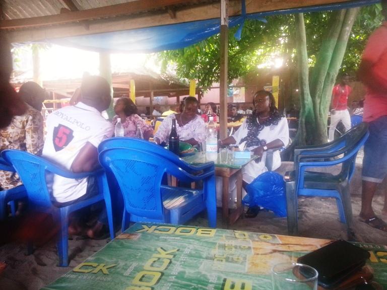 Débit de boisson à Abidjan