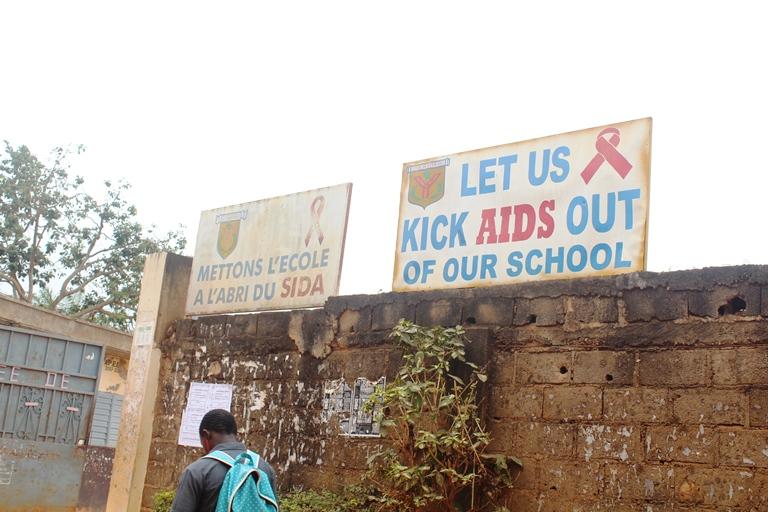 Enseigne Lycée de Biyem-assi
