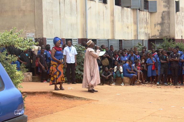 Le Proviseur du Lycée de Biyem-Assi